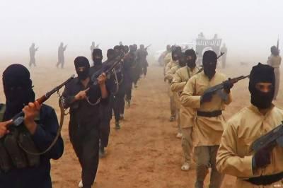 داعش کے دارالحکومت میں کرد جنگجو گھس گئے، امریکی طیاروں کی بمباری سے شہری ہلاک