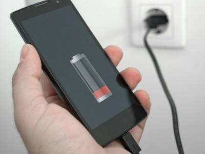 اپنا سمارٹ فون چارج کرتے وقت ان باتوں کا خیال رکھیں !