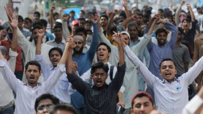 پاکستانی عوام کی اکثریت کرپشن کو ملکی ترقی کی راہ میں بڑی رکاوٹ سمجھتے ہیں،گیلپ سروے