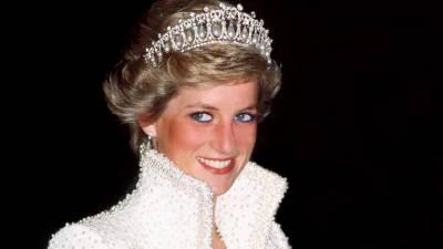 شہزادی ڈیانا نے شہزادہ چارلس کو فون پر کمیلا پارکر سے محبت کا اظہار کرتے ہوئے خود سنا تھا،برطانوی مصنف