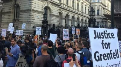 لندن میں حکومت کے خلاف شدیداحتجاج جاری