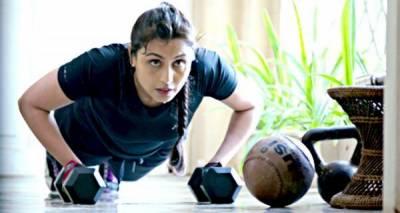 موٹاپے سے نجات کیلئے سخت ورزش کر رہی ہوں، رانی مکرجی