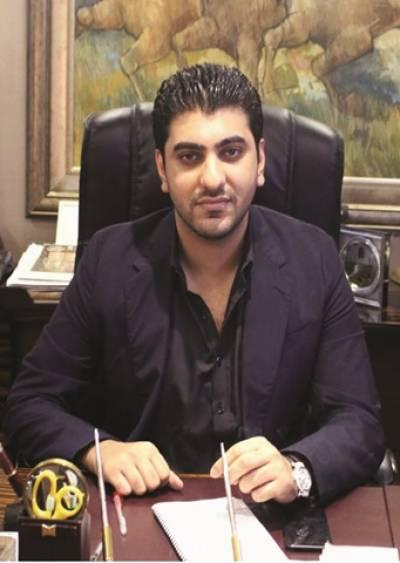 چیئرمین بحریہ ٹائون ملک ریاض کے نواسے بلال ملک کا فخر زمان کو بیس لاکھ روپے کا انعام دینے کا اعلان