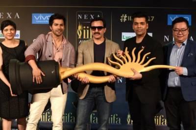 کرن جوہر اور سیف علی خان آئیفا ایوارڈز کی میزبانی کریں گے
