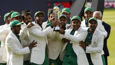 وزیراعظم کا قومی کر کٹ ٹیم کے ہر کھلاڑی کیلیے ایک ایک کروڑ روپے انعام کا اعلان