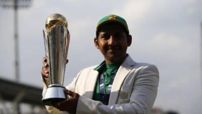 چیمپئن کپتان سرفراز احمد پر انعامات کا سلسلہ جاری