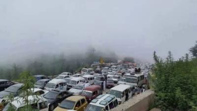 مری میں عید الفطر کے دوران ہیوی ٹریفک کا داخلہ بند رہے گا