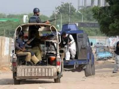 لاڑکانہ پولیس کی کارروائیاں، تین مطلوب اور روپوش ملزمان گرفتار، اسلحہ و منشیات برآمد