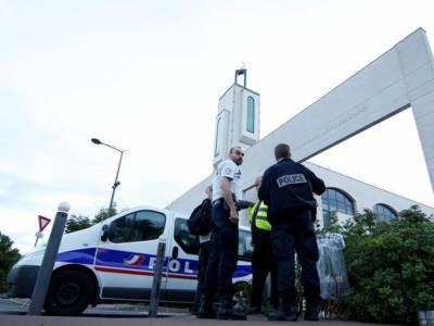 فرانس: جنونی شخص کی مسجد کے باہر نمازیوں پر گاڑی چڑھانے کی کوشش ناکام