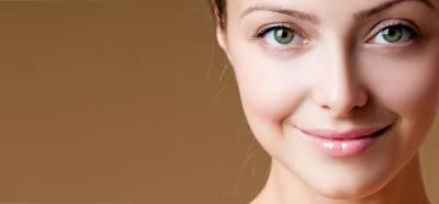 چہرے کو کیل اور مہاسوں سے بچائیں