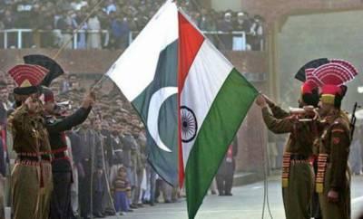پاکستان اور بھارت کے درمیان اب پرچموں کی بھی جنگ شروع