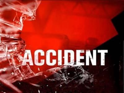 سیہون شریف کے قریب ٹریفک حادثے میں ایک ہی خاندان کے 5 افراد جاں بحق