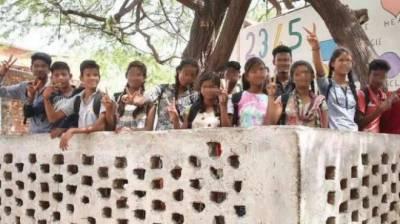 ساتھی طالب علموں نے اپنی کلاس فیلو کی شادی رکوا دی،پورے علاقے میں ہلچل مچ گئی