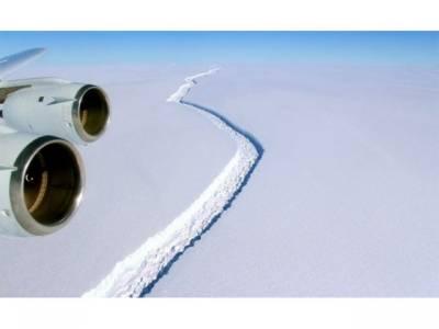براعظم انٹارکٹکا میں ایک ارب ٹن سے بھی زیادہ وزنی برف کا پہاڑ ٹوٹ گیا