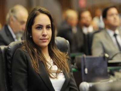 برازیل : خاتون سیاستدان کی شادی پر سیاسی مخالفین کا احتجاج، دلہن کو بکتر بند گاڑی میں رخصت ہونا پڑا