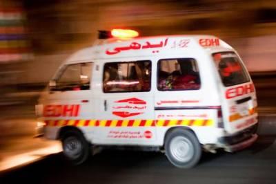 رحیم یار خان میں مسافر بس اور کار میں تصادم، 5 افراد جاں بحق ،9 زخمی