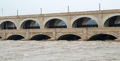 دریا ئے سندھ میں پانی کی سطح تیزی سے بلند، گڈو بیراج کے مقام پر نچلے درجے کے سیلاب کا امکان