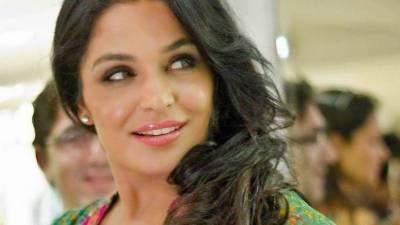 اداکارہ میرا نے عمران خان کے مقابلے میں الیکشن لڑنے کی خبروں کی تردید کردی