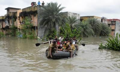 بھارت میں سیلاب سے ہلاکتوں کی تعداد 700 سے تجاوز کر گئی