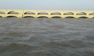 دریائے سندھ میں سکھر اور گڈو بیراج کے مقامات پر درمیانے درجہ کا سیلاب
