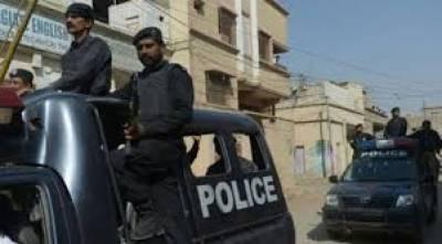 کراچی کے مختلف علاقوں میں پولیس کی کارروائیاں ،اغوار کار اور جعلی میجر سمیت 10 ملزم گرفتار