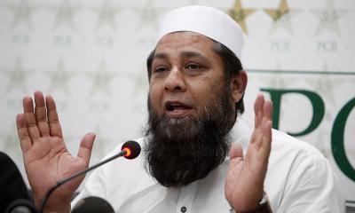 انضمام الحق لاہور بلیوز کے ٹاپ فور میں احمد شہزاد کو رکھنے پر نالاں