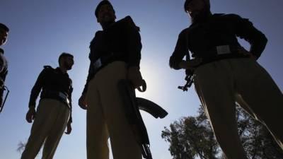 لاہور: نواز شریف کیلئے لگائے جانیوالے اسٹیج کے قریب سے 3 مشکوک شخص گرفتار