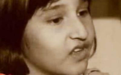 کیا آپ بتا سکتے ہیں یہ پاکستان کی کون سی معروف خاتون شخصیت کی بچپن کی تصویر ہے ؟