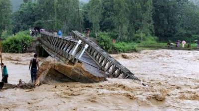 بھارت، نیپال، بنگلہ دیش میں بارشوں اور سیلاب سے 165 افراد ہلاک