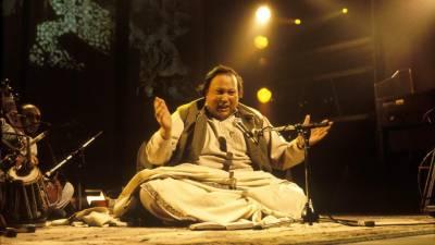 استاد نصرت فتح علی خان کو مداحوں سے بچھڑے 20 برس بیت گئے