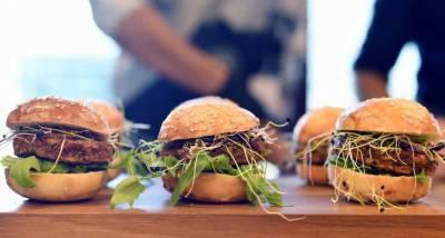 سوئٹزرلینڈ: کیڑے والے برگر اور کوفتے متعارف