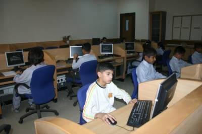 اسلام آباد کے 107 سکولوں میں آئی ٹی لیب منصوبہ مکمل،وزارت آئی ٹی کادعویٰ