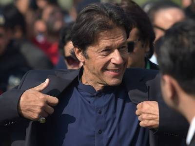 الیکشن کمیشن میں عمران خان کے خلاف نااہلی کی درخواست خارج