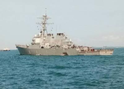 امریکی بحری بیڑے کی آئل ٹینکر سے ٹکر،پینٹاگون نے تمام آپریشنز معطل کر دئیے