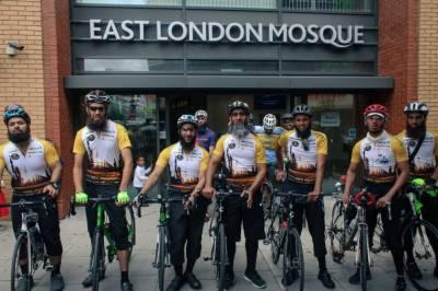 برطانیہ سے آٹھ سائیکل سواروں کی حجاز مقدس آمد