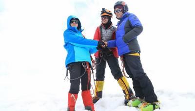 5500 میٹر بلند چوٹی تین پاکستانی خواتین نے سر کر لی