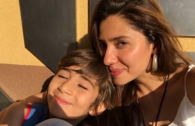 ماہرہ خان کے بیٹے کی سوشل میڈیا پر دھوم