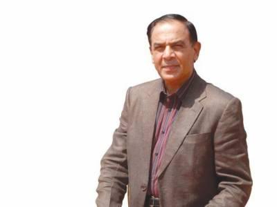 شیخ رشید نے چیئرمین نیب کیخلاف توہین عدالت کی درخواست دائر کر دی