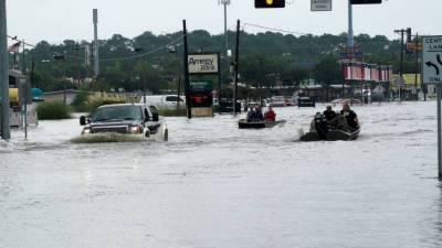 امریکی ریاست ٹیکساس کے بڑے شہر ہیوسٹن میں شدید سیلاب نے تباہی مچا دی