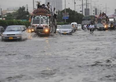 کراچی : طوفانی بارشوں سے 17 ہلاکتیں، وزیر اعظم نے نوٹس لے لیا