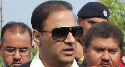 عمران خان کی قربانی اور دوغلے بکرے، عابد شیر نے بڑا الزام لگا دیا