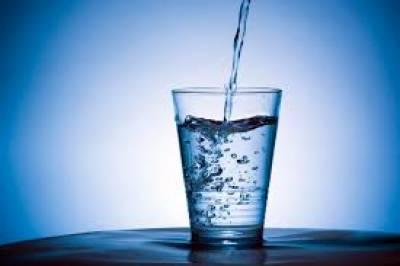مخصوص اوقات میں پانی پی کر موٹاپا کو تیزی سے کم کیا جا سکتاہے