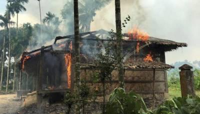 بدھ بھکشوں نے میانمار میں مزید آٹھ دیہاتوں کو آگ لگا دی