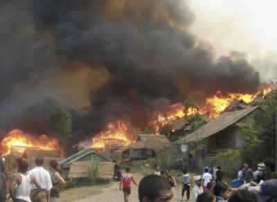 روہنگیا کی اپنے گھروں کو خود جلانے کی تصاویر جعلی نکلیں
