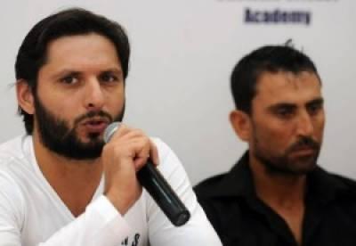 پی سی بی ایوارڈ تقریب :یونس اور شاہدآفریدی کا انعام ایدھی فاؤنڈیشن کو دینے کا فیصلہ