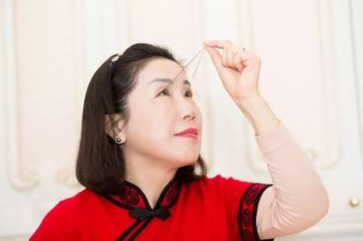 چینی خاتون نے طویل ترین پلکوں کا ریکارڈ قائم کر دیا