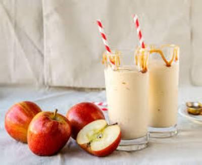 بنا شکر کے سیب کا ملک شیک وزن کم کرنے کے لئے انتہائی معاون ہے، ماہرین