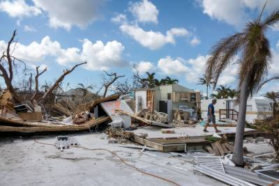 تباہ کن سمندری طوفان 'ماریہ' کی کیربین جزیرے کی جانب پیش قدمی جاری
