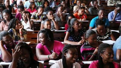 الجزائر کی جامعات میں مختصر لباس پہننے پر پابندی عائد