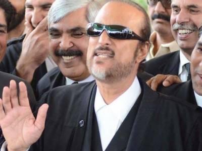 عمران خان کے خلاف کسی عدالت میں نااہلیت کا کوئی مقدمہ زیر سماعت نہیں: بابر اعوان